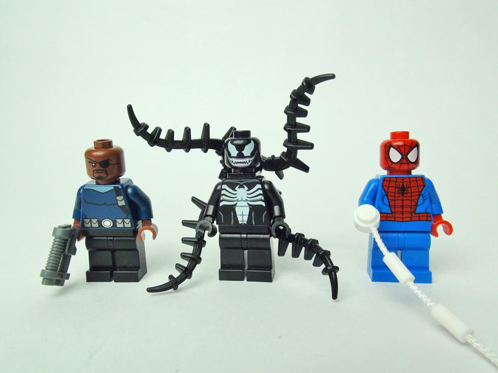 ニック・フューリー、ヴェノム、スパイダーマンのミニフィグ
