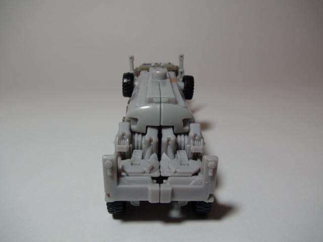 トランスフォーマーダークサイドムーン、メガトロンビークルモード後ろ