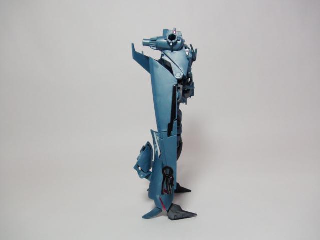 サウンドウェーブロボットモード左