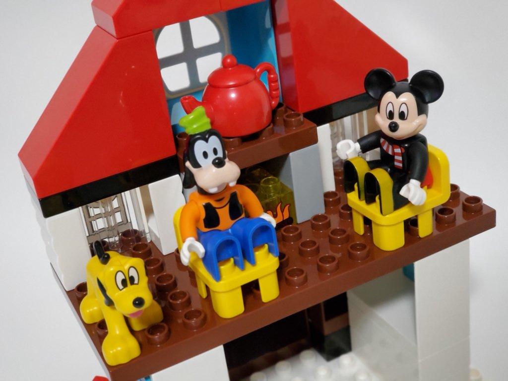 lego duploミッキーとミニーのホリデーハウス2