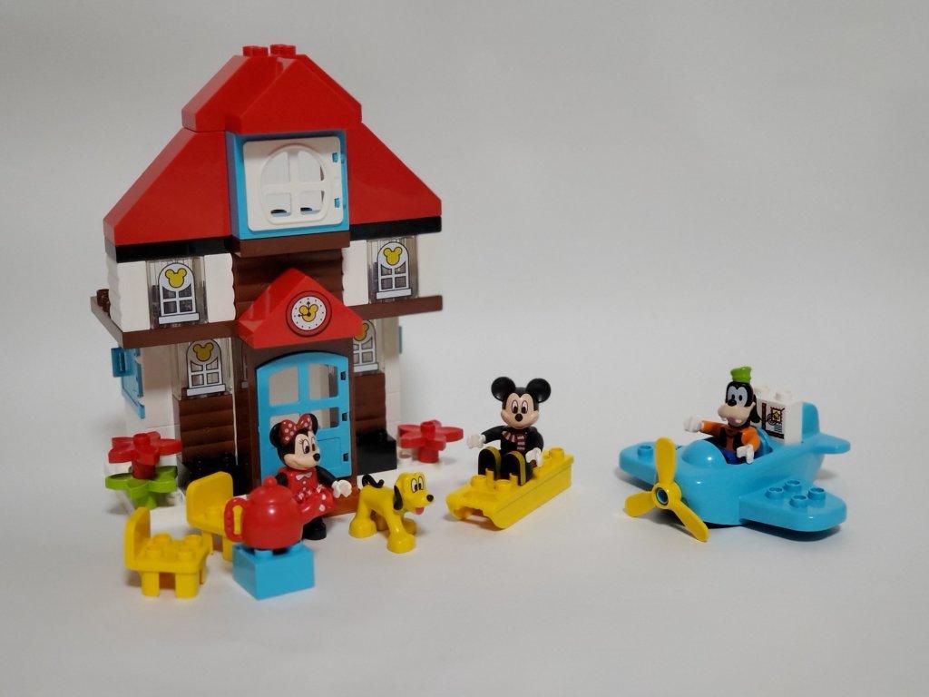 ミッキーとミニーのホリデーハウス