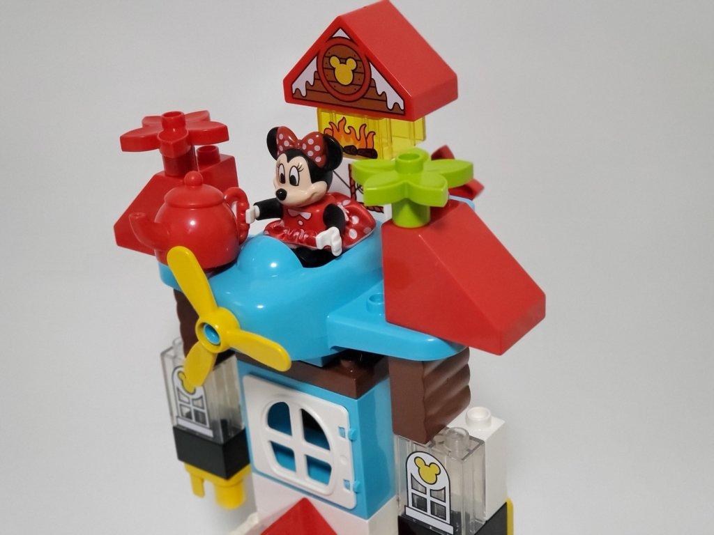 lego duploミッキーとミニーのホリデーハウス、ロボットへ変形、アップ